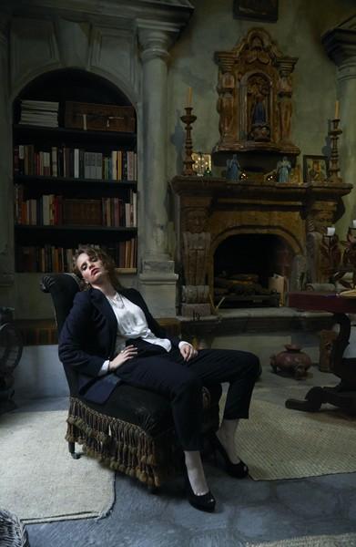 Anna Calvi (Credit Roger Deckker)