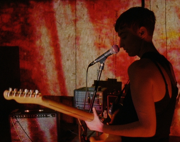 LoneLady – Groove It Out (Credit: Julie Campbell)
