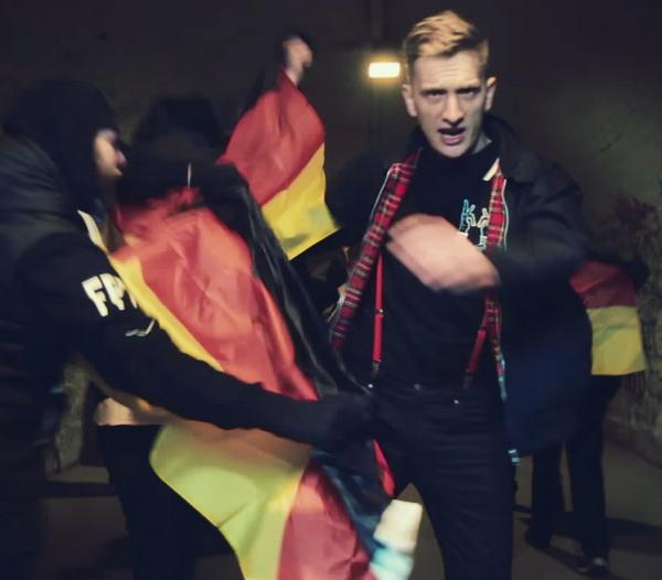 Kraftklub – Schüsse in die Luft (Credit: Philipp Peter Gladsome)