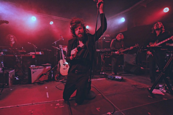 Father John Misty (Credit Michael Mederacke/MusikBlog)