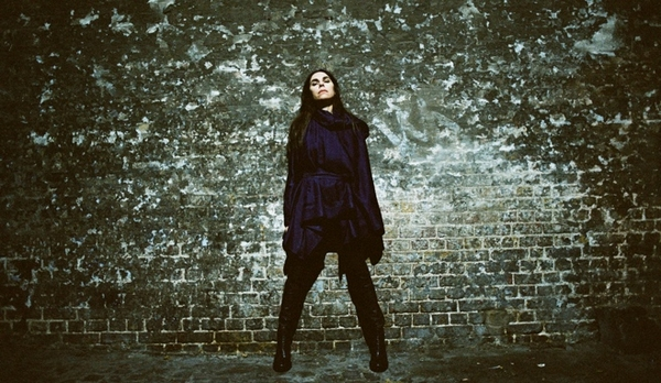 PJ Harvey (Credit: Maria Mochnacz)