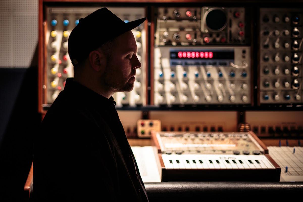 DJ Shadow (Credit Derick Daily)