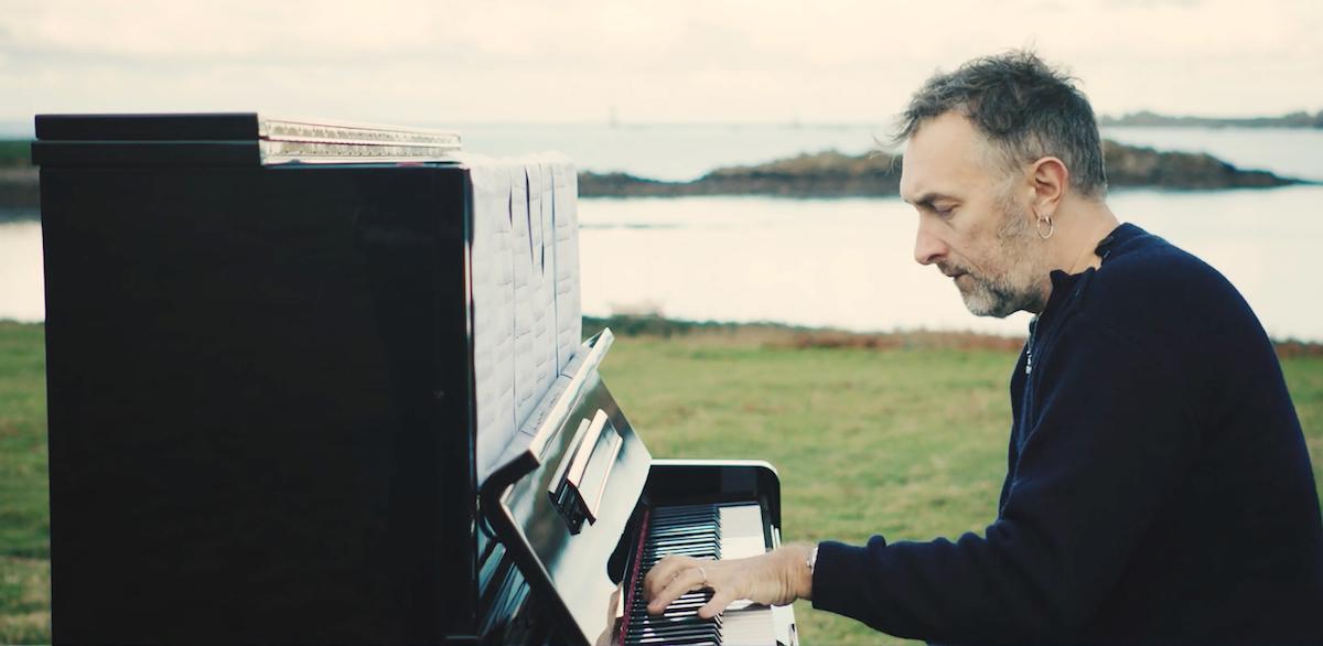 Yann Tiersen (Credit Mute)