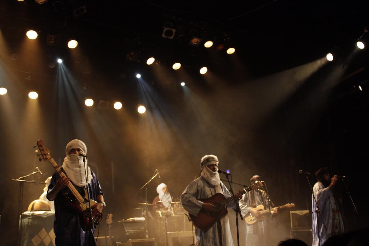 Tinariwen (Credit Mauricio Quiñones/MusikBlog)