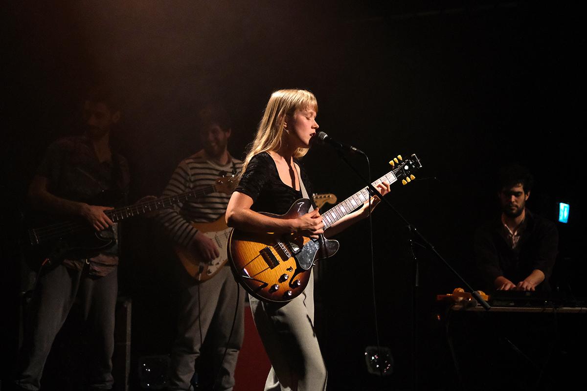 Alice Phoebe Lou (Credit Daniel Thomas/MusikBlog)