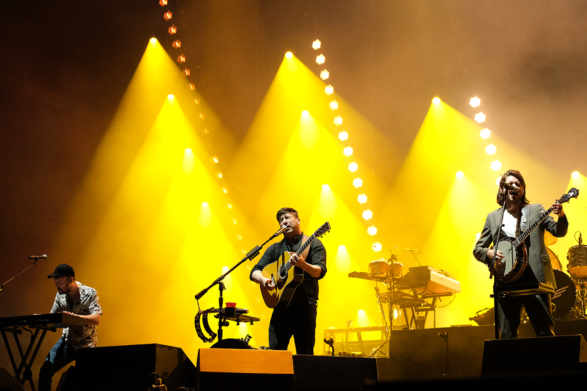 Mumford And Sons (Credit Daniel Thomas/MusikBlog)